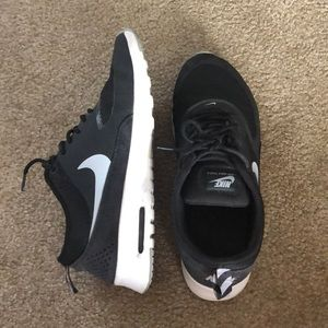 Nike Air max Thea  women's size 9.